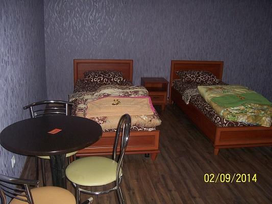 2-комнатная квартира посуточно в Виннице. Старогородский район, ул. Архитектора Артынова, 8. Фото 1
