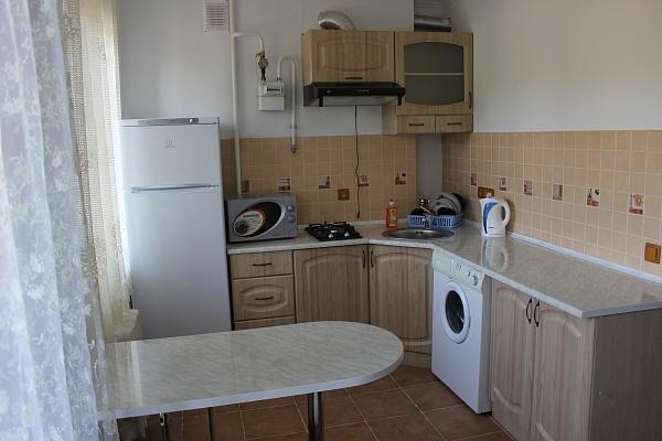 1-комнатная квартира посуточно в Керчи. ул. Кирова, 163. Фото 1