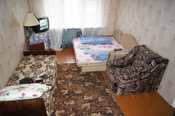 1-комнатная квартира посуточно в Житомире. ул. Черняховского, 2. Фото 1