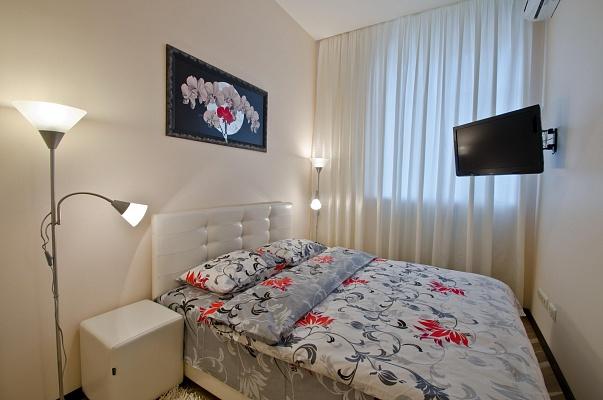 4-комнатная квартира посуточно в Львове. Галицкий район, ул. Печатная, 4. Фото 1