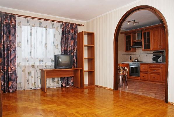 3-комнатная квартира посуточно в Киеве. Соломенский район, ул. В. Гетьмана, 22. Фото 1