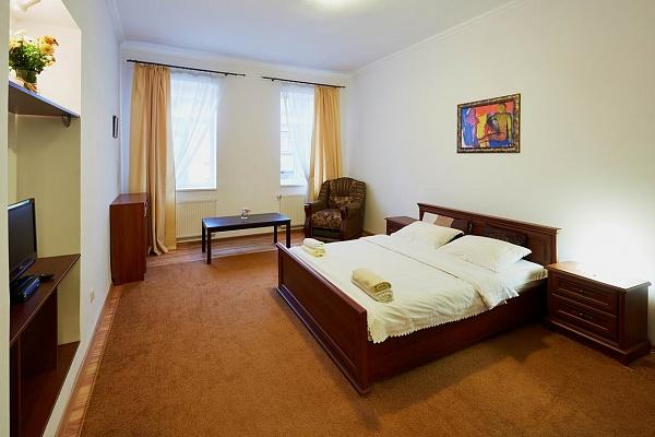 1-комнатная квартира посуточно в Львове. Галицкий район, ул. Шпытальна, 15. Фото 1