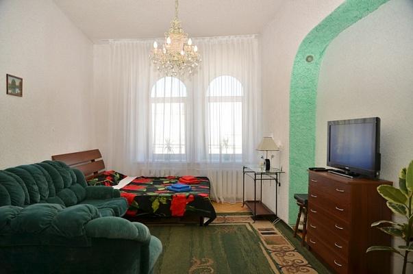 1-комнатная квартира посуточно в Киеве. Подольский район, Андреевский спуск, 11. Фото 1