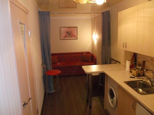 1-комнатная квартира посуточно в Одессе. Приморский район, ул. Нежинская, 32. Фото 1