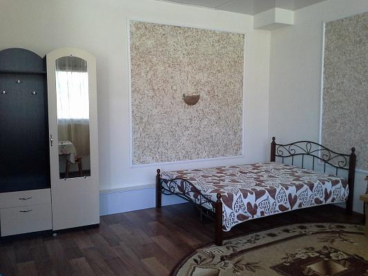 1-комнатная квартира посуточно в Севастополе. ул. Гагарина, 39. Фото 1