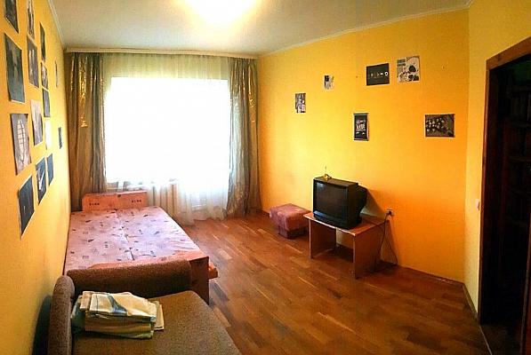 2-комнатная квартира посуточно в Виннице. Ленинский район, ул. Пирогова, 9. Фото 1