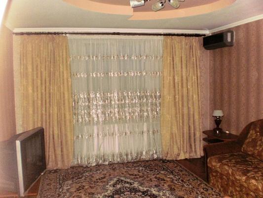 3-комнатная квартира посуточно в Миргороде. ул. Гоголя, 47. Фото 1