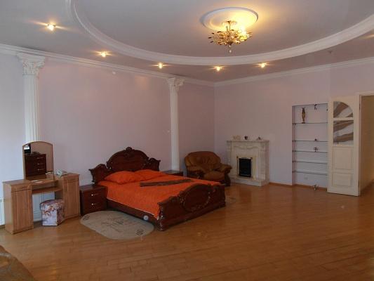 3-комнатная квартира посуточно в Одессе. Приморский район, ул. Дерибасовская, 15. Фото 1