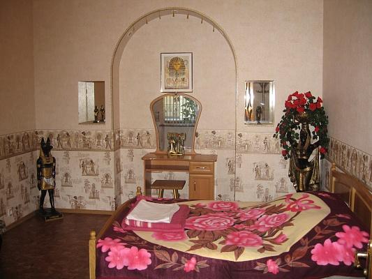 2-комнатная квартира посуточно в Ялте. ул. Гоголя. Фото 1