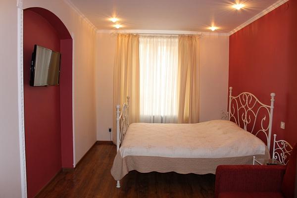 1-комнатная квартира посуточно в Львове. Галицкий район, ул. Староеврейская, 8. Фото 1