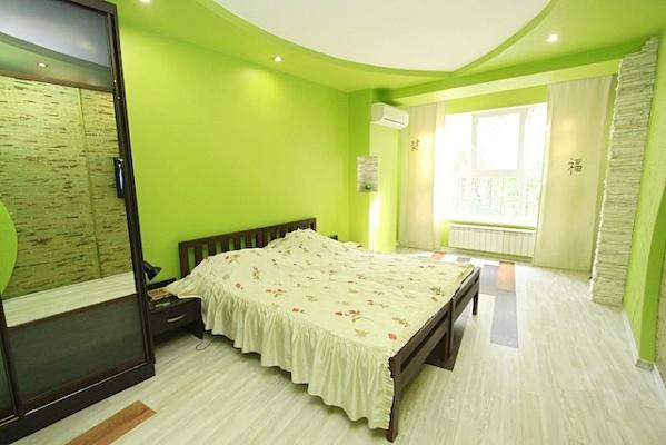 3-комнатная квартира посуточно в Феодосии. ул. Листовничей, 5. Фото 1