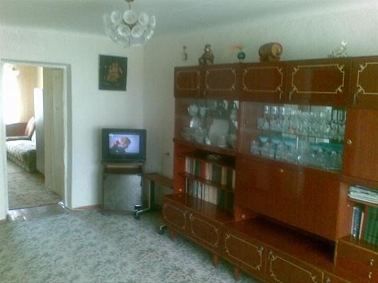 2-комнатная квартира посуточно в Евпатории. ул. Некрасова, 57. Фото 1