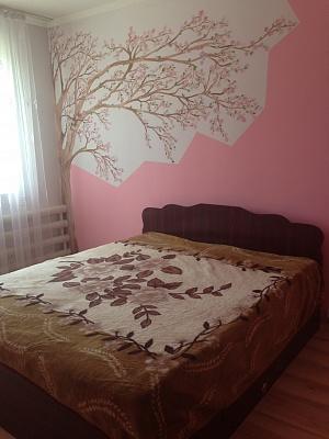 1-комнатная квартира посуточно в Ивано-Франковске. ул. Горбачевского, 9. Фото 1