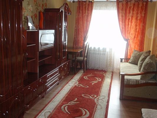 2-комнатная квартира посуточно в Ровно. пр-т Мира, 9. Фото 1
