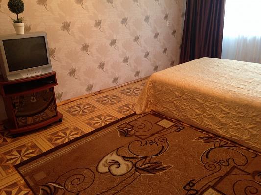 1-комнатная квартира посуточно в Нежине. ул. Шевченко, 97. Фото 1