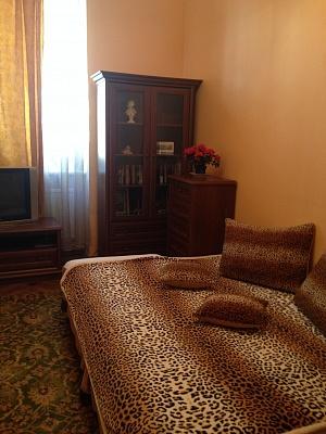1-комнатная квартира посуточно в Львове. Лычаковский район, ул. Дороша, 1. Фото 1