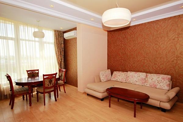 2-комнатная квартира посуточно в Одессе. Приморский район, Французский Бульвар, 9. Фото 1