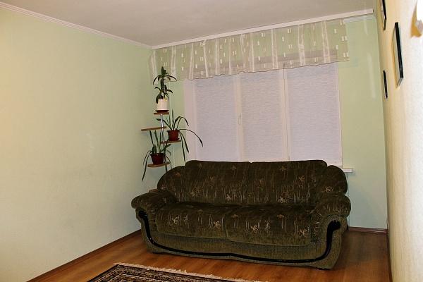 2-комнатная квартира посуточно в Полтаве. Киевский район, ул. Театральная, 8. Фото 1