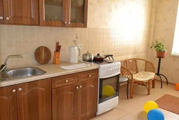 1-комнатная квартира посуточно в Киеве. Дарницкий район, ул. П. Григоренко, 39б. Фото 1