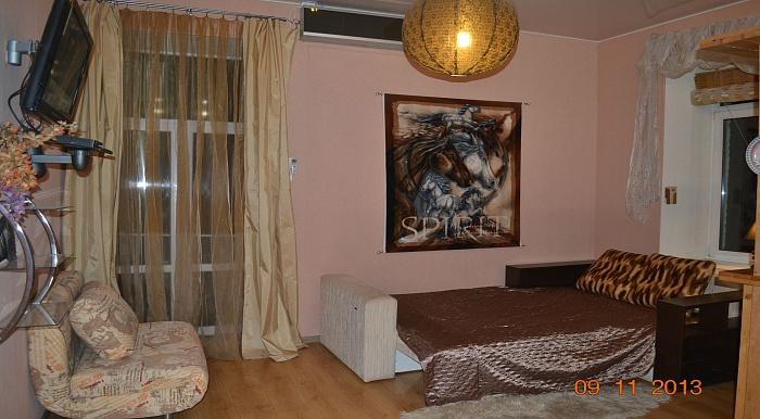 1-комнатная квартира посуточно в Киеве. Подольский район, ул. Константиновская, 37. Фото 1