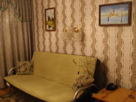 2-комнатная квартира посуточно в Сумах. Заречный район, ул. М.Лушпы, 11. Фото 1