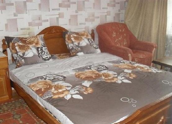 1-комнатная квартира посуточно в Керчи. ул. Марата, 11. Фото 1