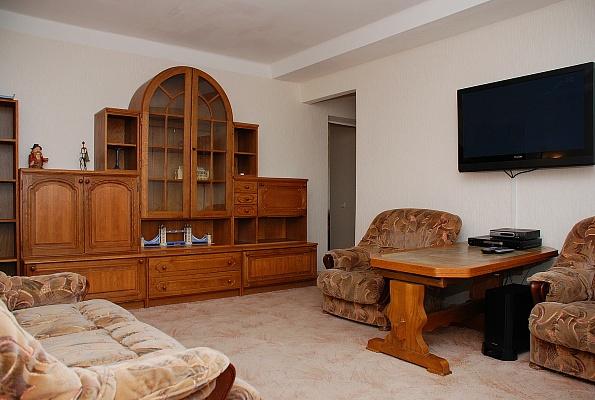 3-комнатная квартира посуточно в Киеве. Печерский район, пер. Щорса, 5. Фото 1