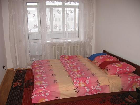 2-комнатная квартира посуточно в Луцке. ул. Загородная, 2а. Фото 1