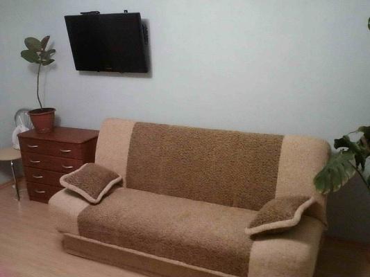 1-комнатная квартира посуточно в Бердянске. ул. Дзержинского, 23. Фото 1