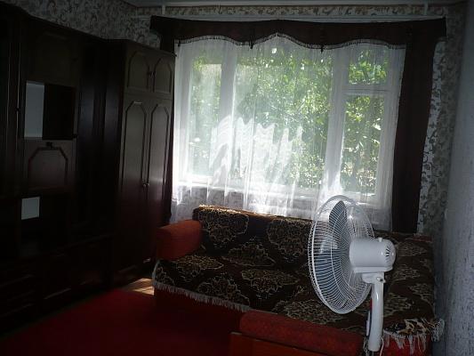 2-комнатная квартира посуточно в Керчи. Г. Сталинграда, 58. Фото 1