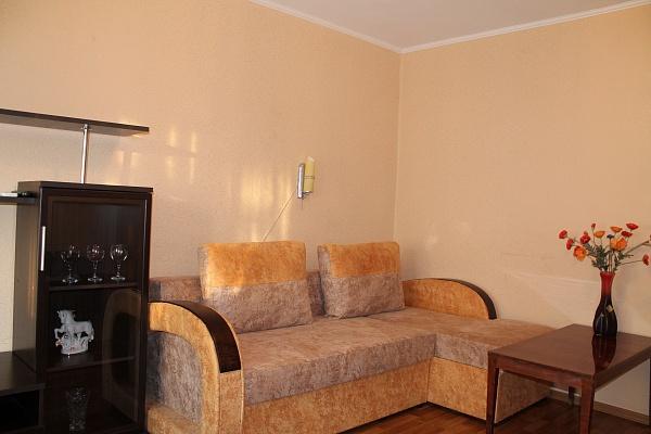 2-комнатная квартира посуточно в Феодосии. ул. Старшинова, 3. Фото 1