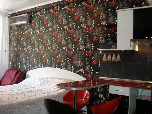 1-комнатная квартира посуточно в Алуште. ул. Победы. Фото 1