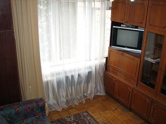 1-комнатная квартира посуточно в Киеве. Печерский район, ул. Рыбальская, 3. Фото 1
