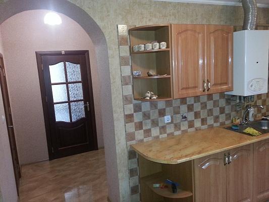 2-комнатная квартира посуточно в Мукачево. ул. Чехова, 6. Фото 1