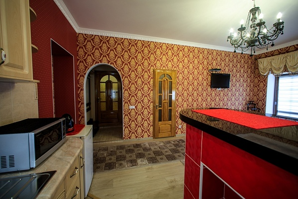 1-комнатная квартира посуточно в Каменце-Подольском. ул. Зарванская, 20. Фото 1