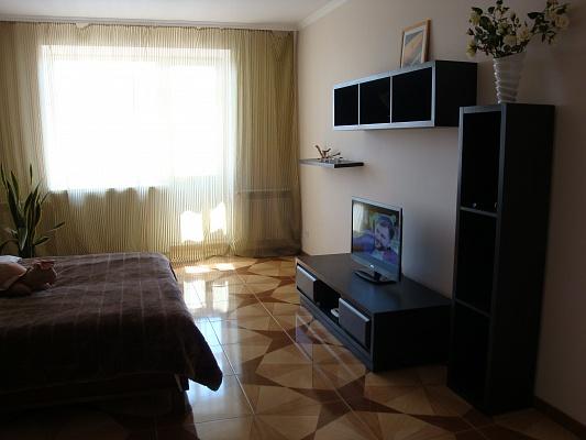 1-комнатная квартира посуточно в Тернополе. ул. Карпенка, 34. Фото 1