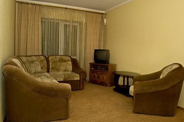 2-комнатная квартира посуточно в Киеве. Печерский район, б-р Леси Украинки, 16. Фото 1