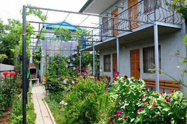 Мини-отель  посуточно в Саках. ул. Морская, 4б. Фото 1
