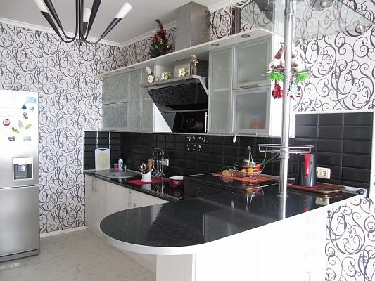 2-комнатная квартира посуточно в Одессе. Приморский район, Фонтанская дорога, 49. Фото 1