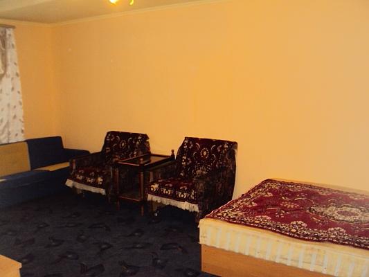 1-комнатная квартира посуточно в Сумах. Ковпаковский район, ул. Засумская, 12-Г. Фото 1