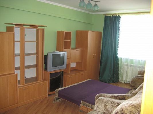 2-комнатная квартира посуточно в Черноморском. ул. Кооперативная, 4а. Фото 1