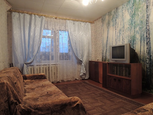 2-комнатная квартира посуточно в Миргороде. ул. Гоголя, 139. Фото 1