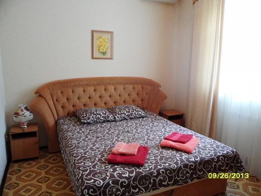 2-комнатная квартира посуточно в Евпатории. ул. Шевченко, 37. Фото 1