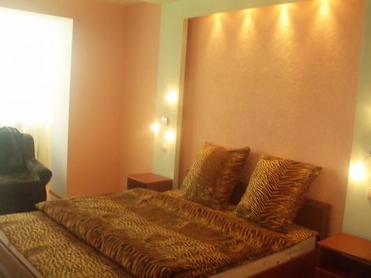 1-комнатная квартира посуточно в Запорожье. Орджоникидзевский район, б-р Центральный, 22а. Фото 1