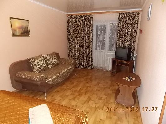 1-комнатная квартира посуточно в Горловке. ул. Победы, 44. Фото 1