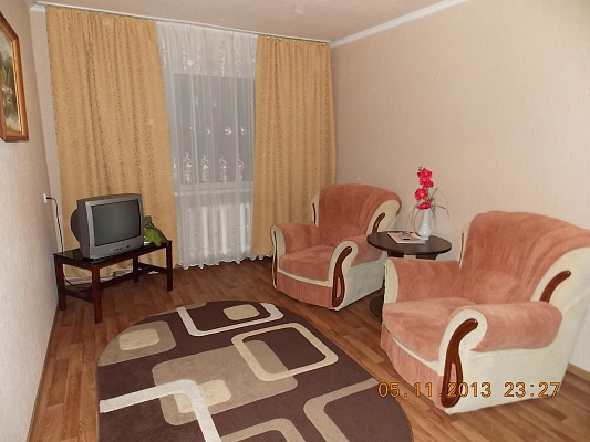 2-комнатная квартира посуточно в Горловке. ул. Пушкинская, 29. Фото 1