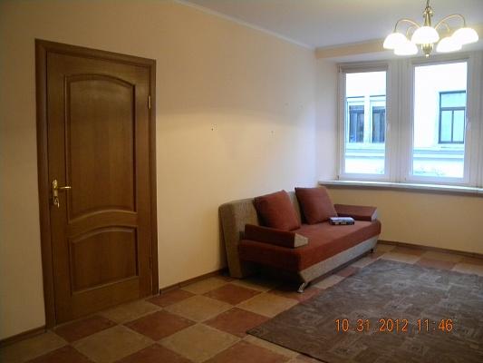 2-комнатная квартира посуточно в Ужгороде. ул. Корзо, 14. Фото 1