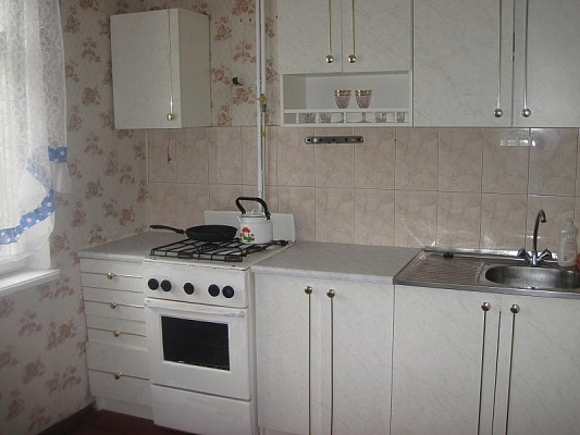 1-комнатная квартира посуточно в Ровно. ул. Костромская, 3. Фото 1