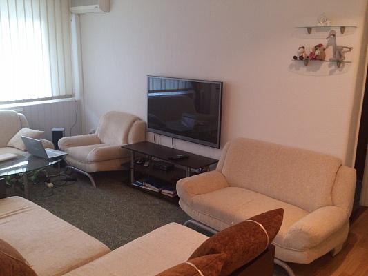 3-комнатная квартира посуточно в Бердянске. ул. Ленина, 28. Фото 1