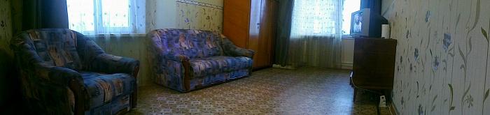 1-комнатная квартира посуточно в Ильичёвске. Пригород район, Александрийская, 4-а. Фото 1